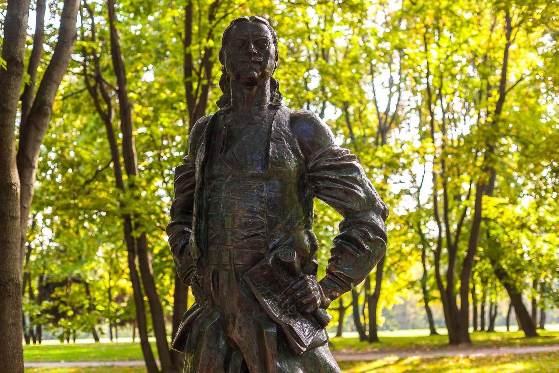 Памятник Петру I, Усадьба «Коломенское», Москва — ParkSeason