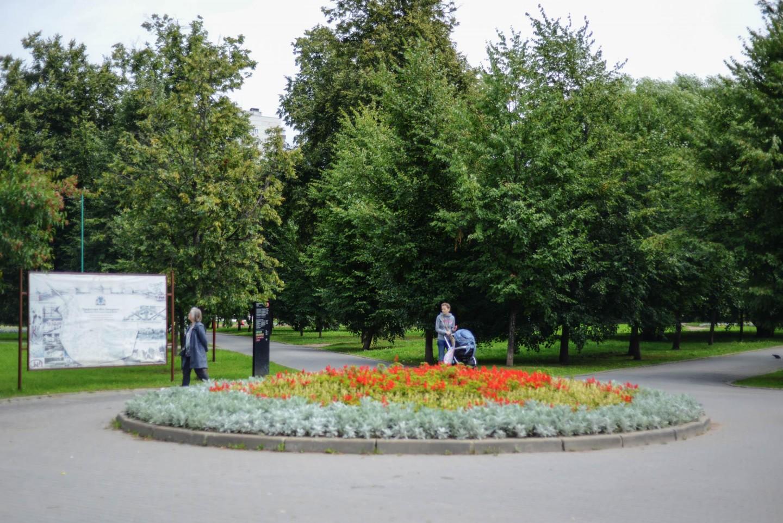 Вход в парк, Усадьба «Воронцово», Москва — ParkSeason
