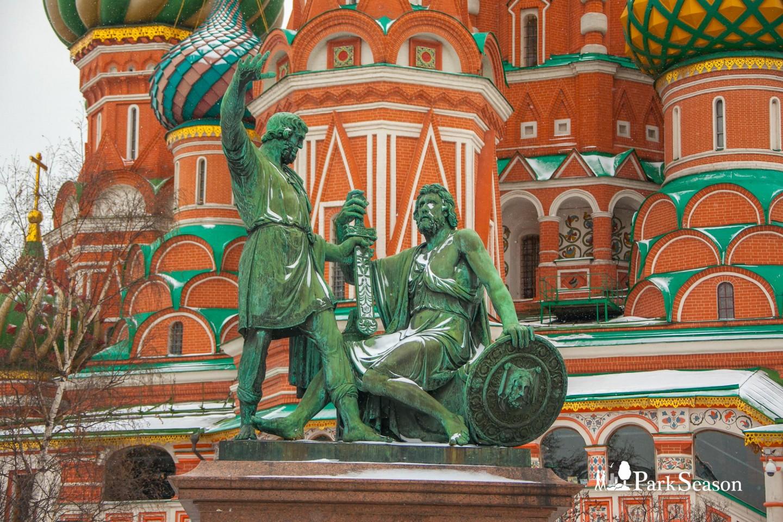 Памятник Минину и Пожарскому — ParkSeason