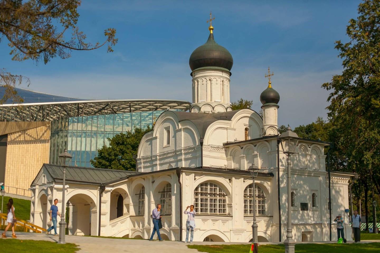 Церковь Зачатия Святой Анны, Парк «Зарядье», Москва — ParkSeason