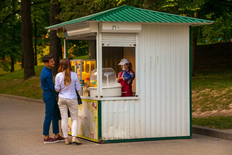 Киоск с попкорном и сладкой ватой — ParkSeason