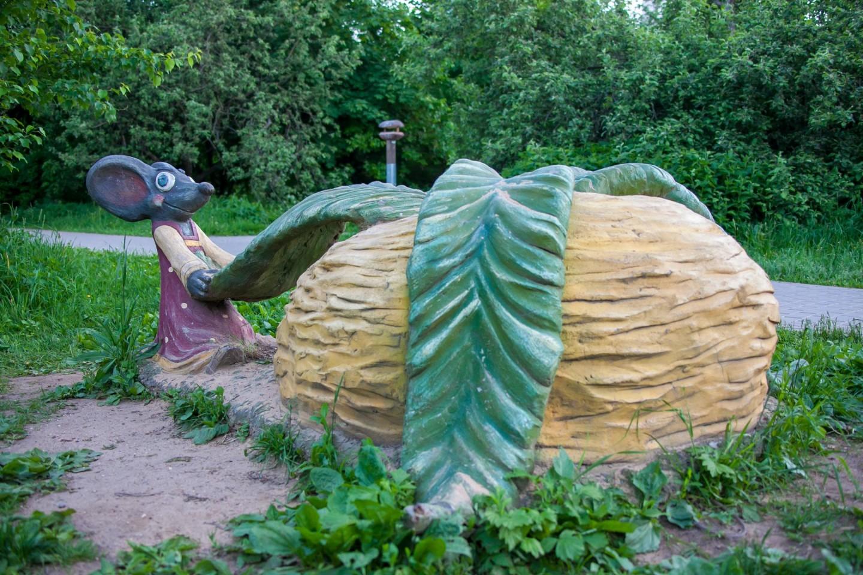 Скульптура «Репка», Парк «Северное Тушино», Москва — ParkSeason