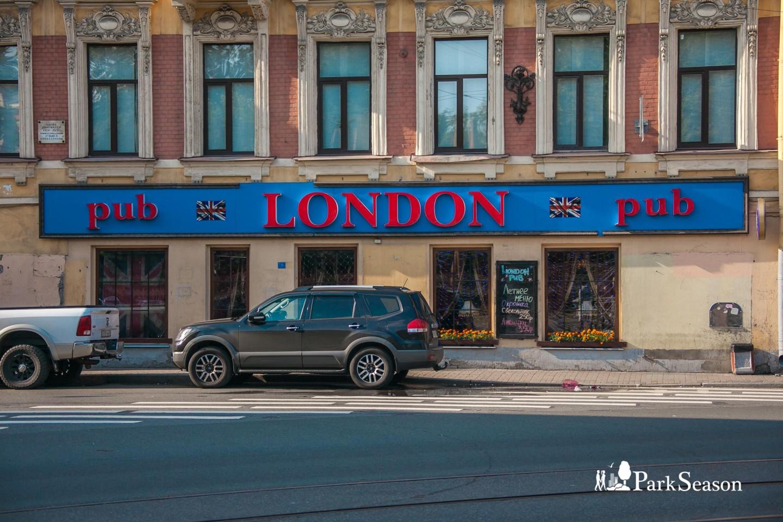 London Pub — ParkSeason