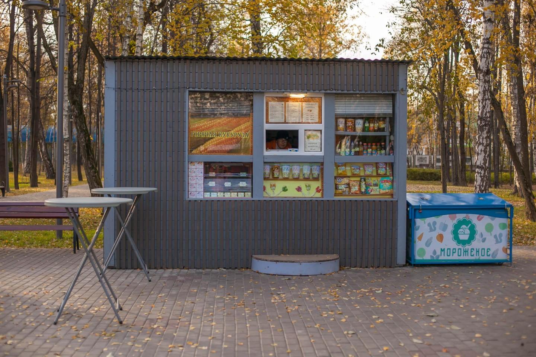 Киоск с уличной едой, Лианозовский парк, Москва — ParkSeason