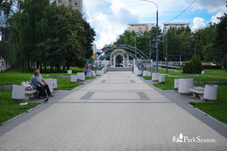 Вход в парк, Парк 50-летия Октября, Москва — ParkSeason