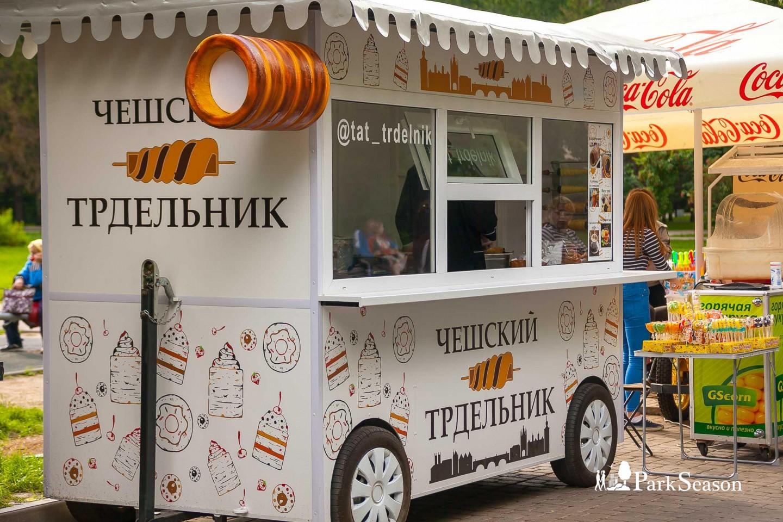 Уличное кафе «Чешский трдельник» — ParkSeason