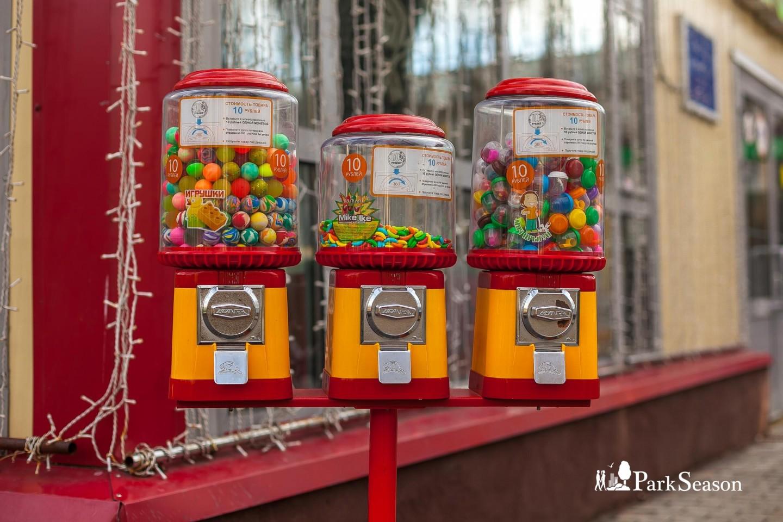 Автоматы с игрушками и жвачкой, Парк «Бабушкинский», Москва — ParkSeason