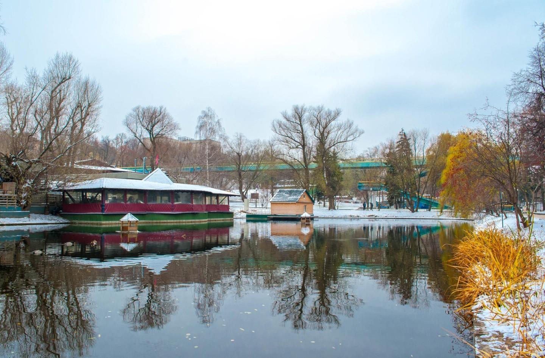 Дом лебедя, Парк Горького, Москва — ParkSeason
