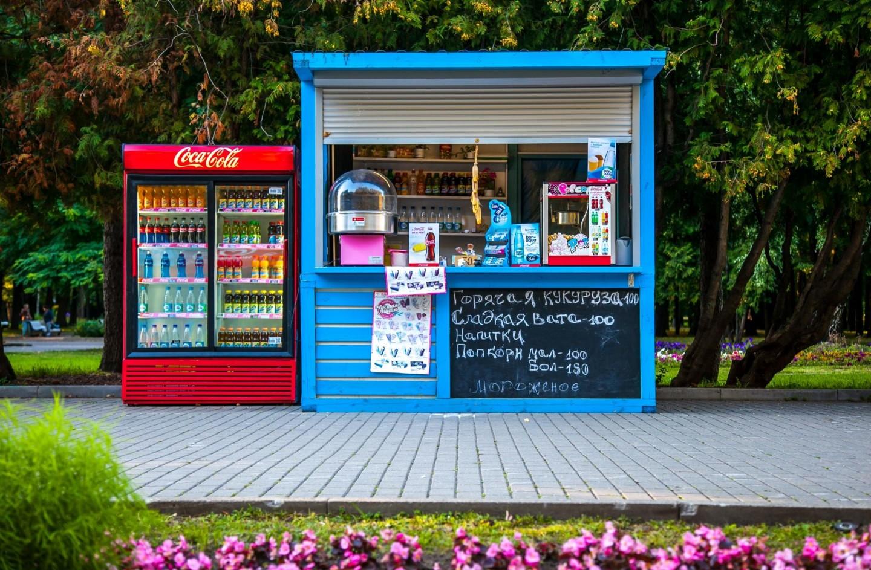 Киоск с уличной едой, Парк Северного речного вокзала, Москва — ParkSeason