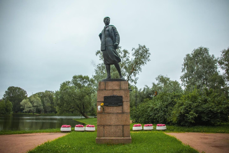 Памятник Зое Космодемьянской — ParkSeason