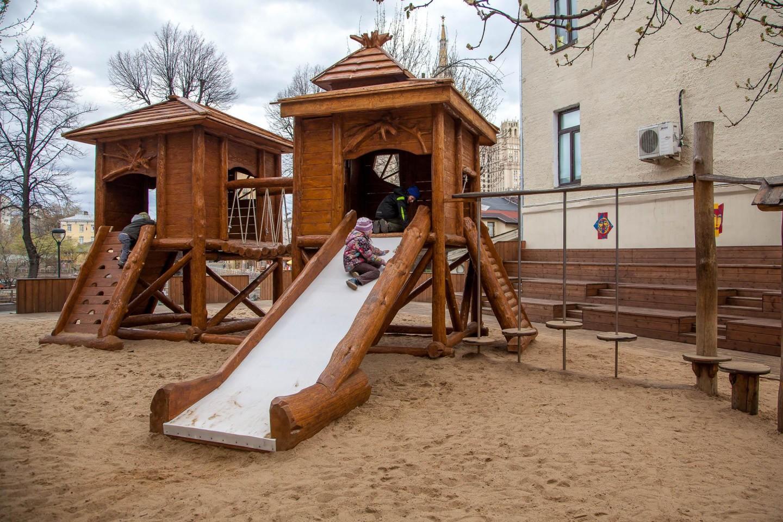 Детская деревянная площадка, Московский зоопарк, Москва — ParkSeason