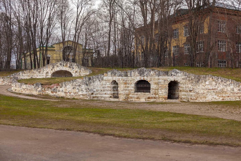 Трехарочный и Большой гроты, Парк «Кузьминки», Москва — ParkSeason