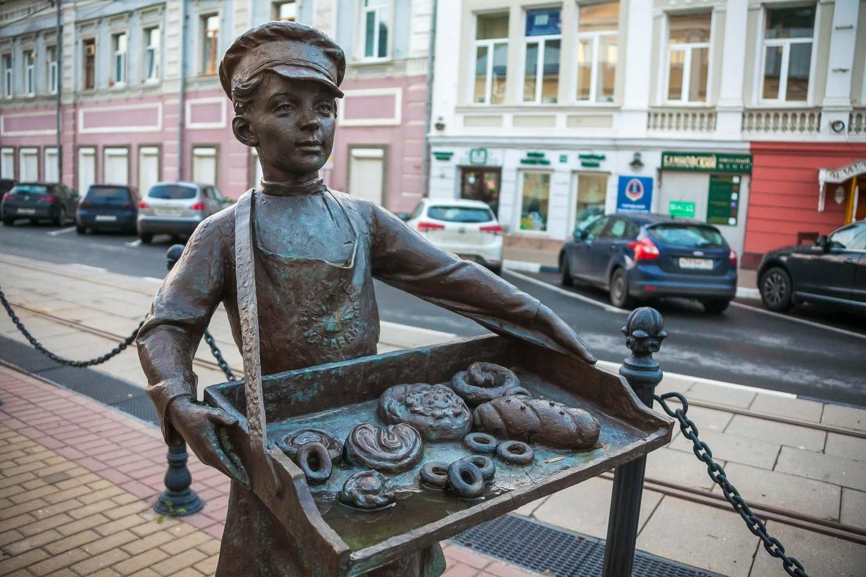 Скульптура «Пирожник» — ParkSeason