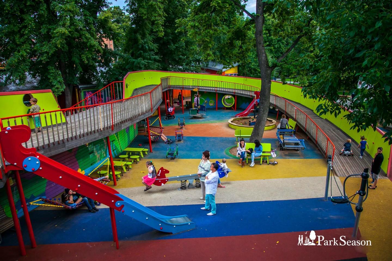Детский городок, Сад им. Баумана, Москва — ParkSeason