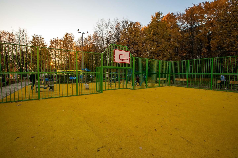Футбольно-баскетбольная площадка — ParkSeason