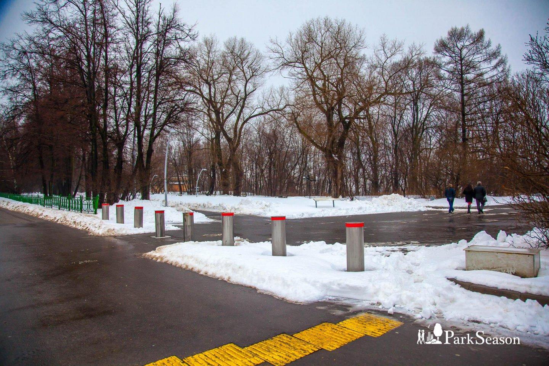 Вход в парк, Воробьевы горы, Москва — ParkSeason