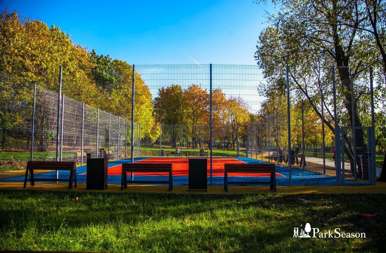 Волейбольная площадка, Парк Олимпийской деревни, Москва — ParkSeason