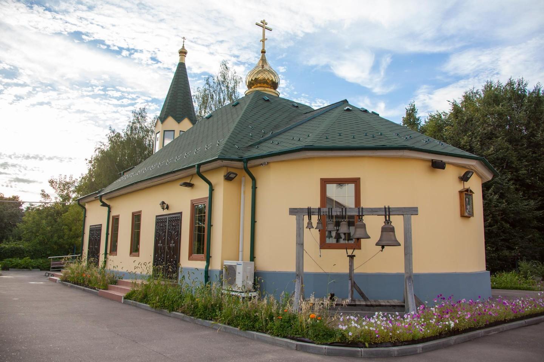 Временный храм святого благоверного князя Александра Невского, Парк Олимпийской деревни, Москва — ParkSeason