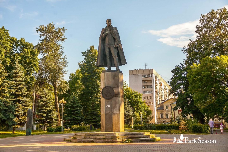 Памятник Нестерову П.Н. — ParkSeason