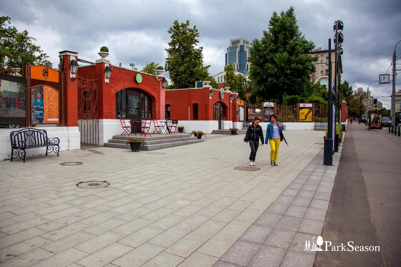 Главный вход, Сад «Эрмитаж», Москва — ParkSeason