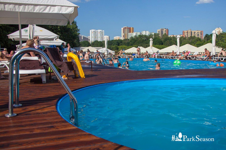 Бассейн (временно закрыт), Парк имени Льва Толстого (Химки), Москва — ParkSeason