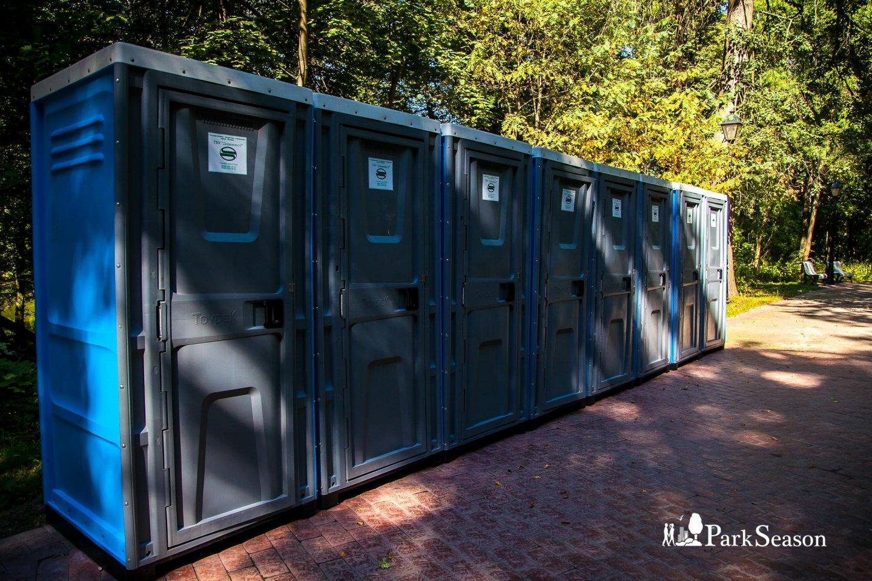 Туалетные кабины, Музей-заповедник «Царицыно», Москва — ParkSeason