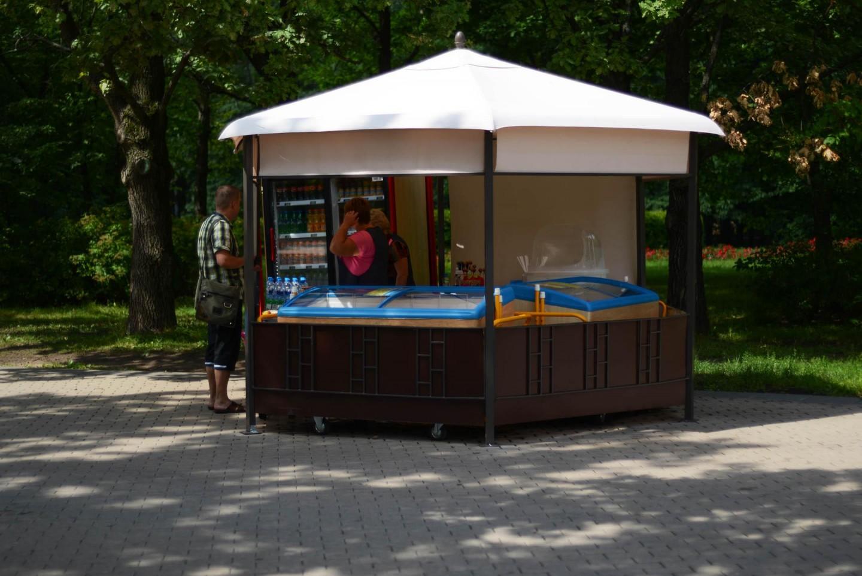 Киоск с уличной едой, Парк 50-летия Октября, Москва — ParkSeason