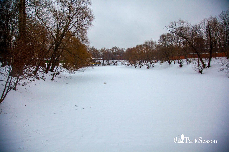Лефортовский пруд, Усадьба «Лефортово», Москва — ParkSeason