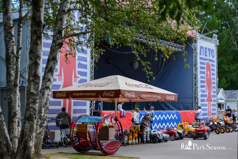 Танцевальная веранда, Парк «Кузьминки», Москва — ParkSeason