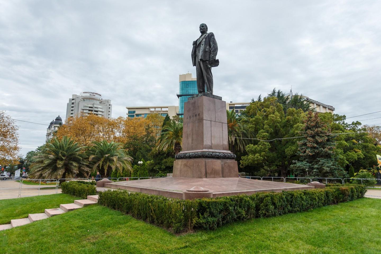 Памятник В.И.Ленину — ParkSeason