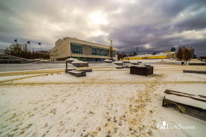 Театральная площадь — ParkSeason