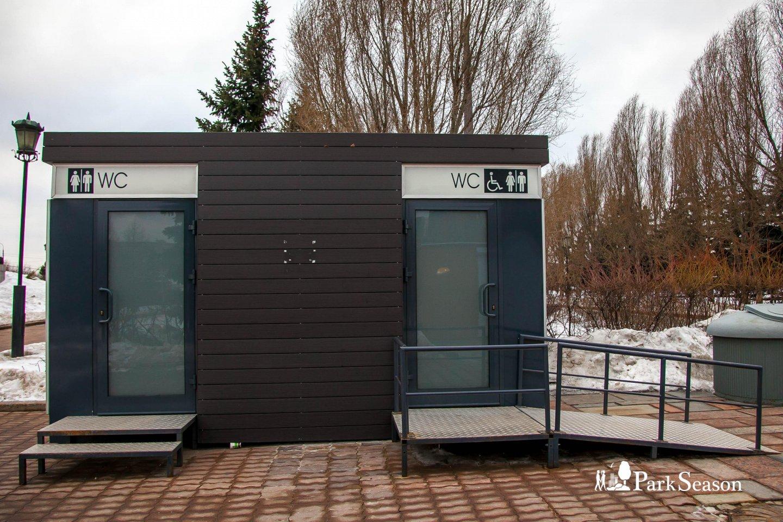 Туалет, Парк Победы на Поклонной горе, Москва — ParkSeason