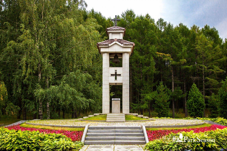 Памятник испанцам, павшим в Великой Отечественной войне, Парк Победы на Поклонной горе, Москва — ParkSeason