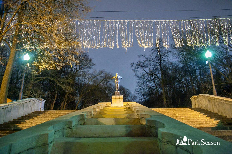 Фонтан «Купальщица», Нескучный сад, Москва — ParkSeason