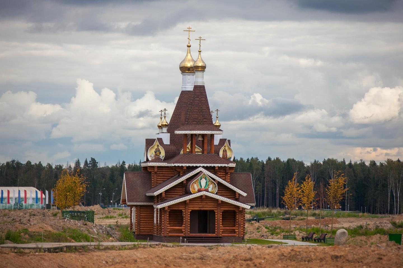 Храм Святого Великомученика Георгия Победоносца, Парк «Патриот», Москва — ParkSeason