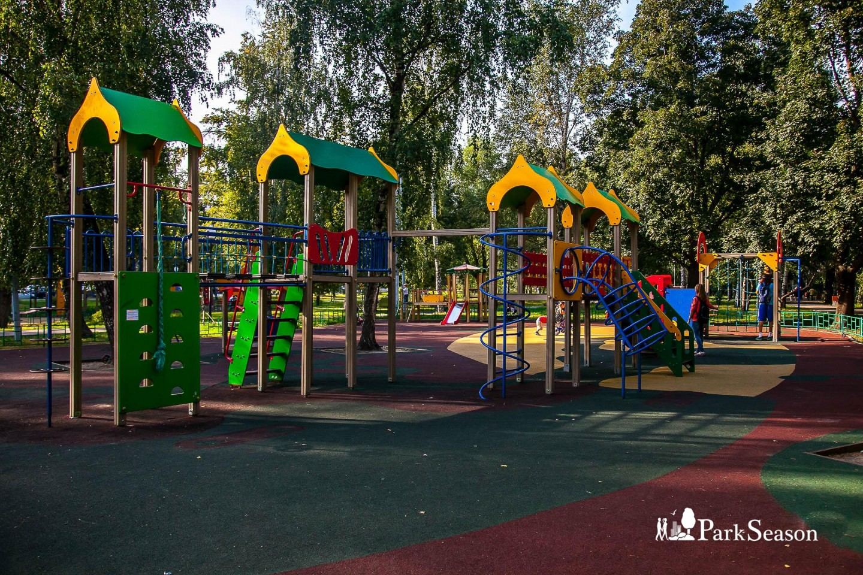 Детская площадка, Парк «Березовая роща», Москва — ParkSeason