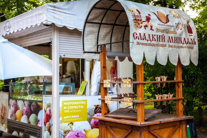 Ларек со сладким миндалем, Парк «Сокольники», Москва — ParkSeason
