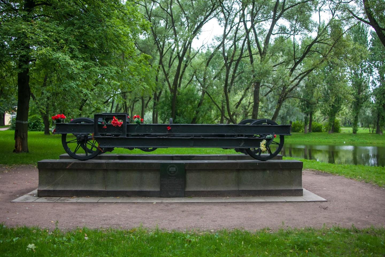 Памятный знак «Вагонетка» — ParkSeason