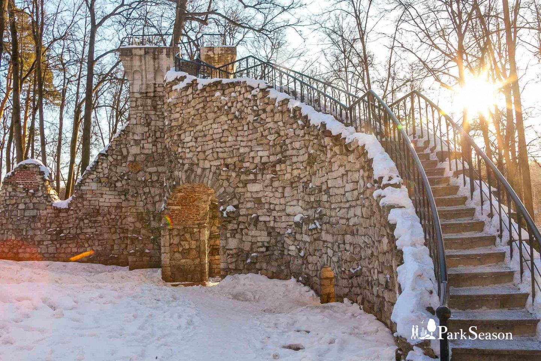 Башня-руина, Музей-заповедник «Царицыно», Москва — ParkSeason