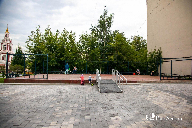 Танцевальная площадка, Сад им. Баумана, Москва — ParkSeason