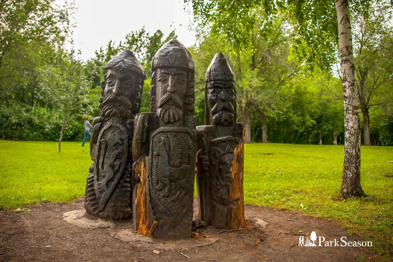 Скульптура «Три богатыря» — ParkSeason
