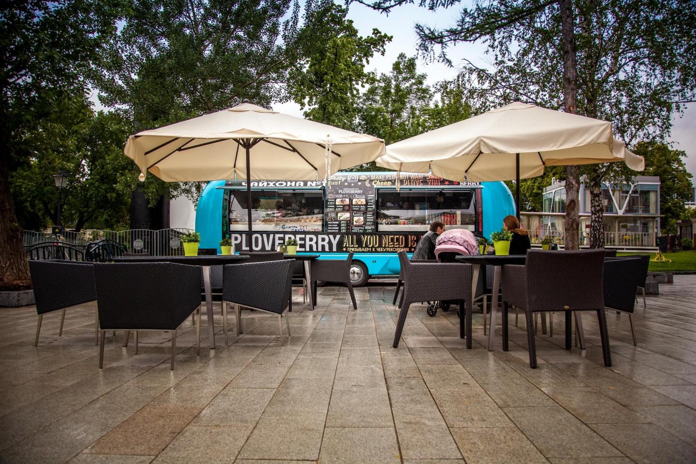 Кафе Ploveberry, Сад «Эрмитаж», Москва — ParkSeason