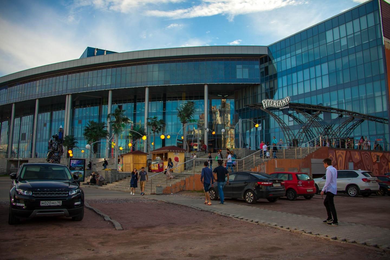Торговый центр «Питерлэнд» — ParkSeason
