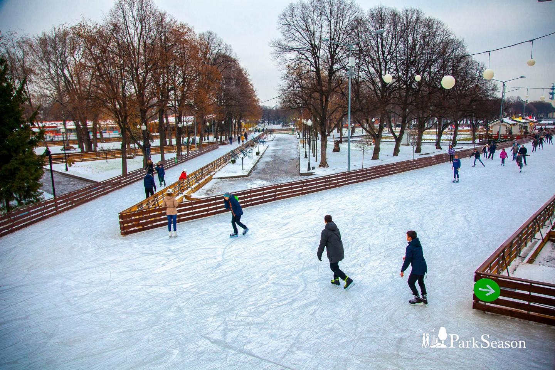 Хоккейный каток в Парке Горького, Парк Горького, Москва — ParkSeason