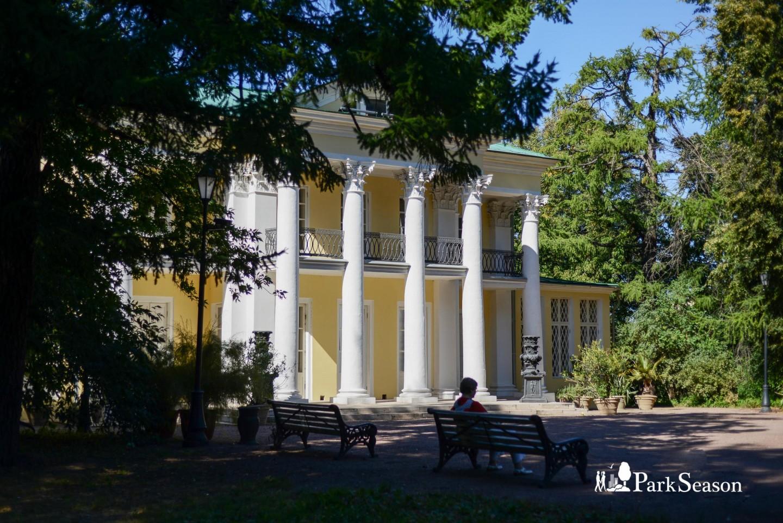 Летний домик графа Орлова, Нескучный сад, Москва — ParkSeason