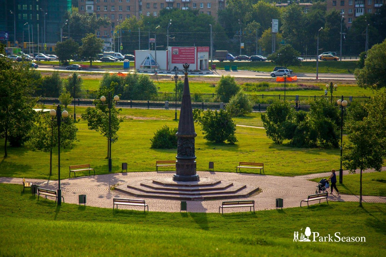 Стела в честь 400-летия народного ополчения под предводительством Минина и Пожарского — ParkSeason