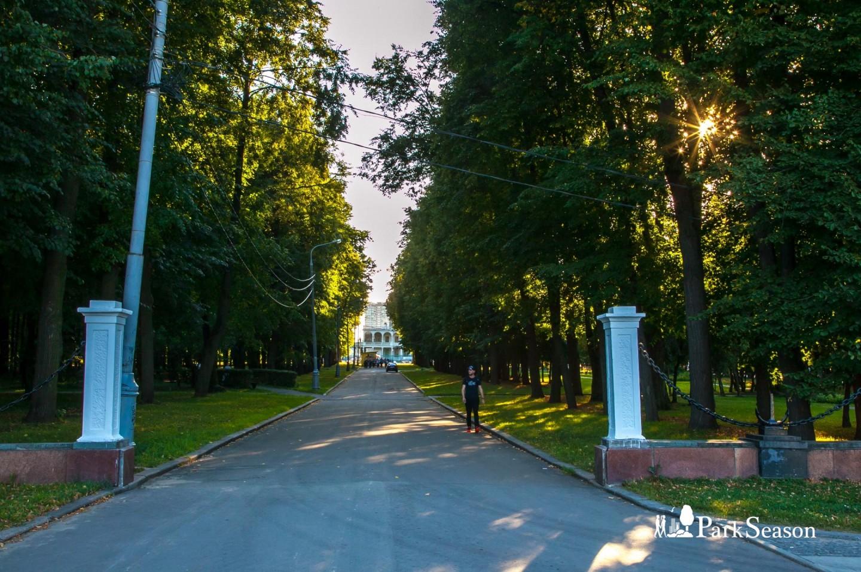 Входы в парк, Парк Северного речного вокзала, Москва — ParkSeason