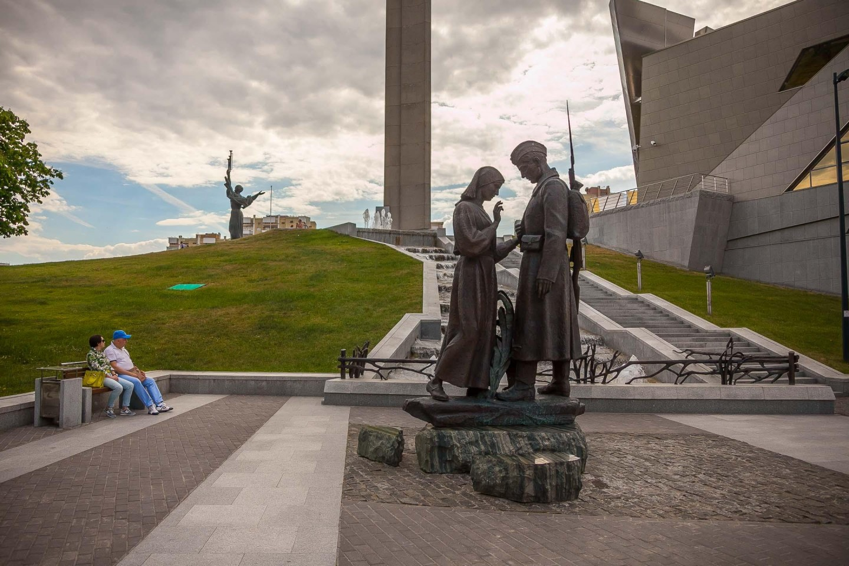 Скульптура «Прощание» — ParkSeason