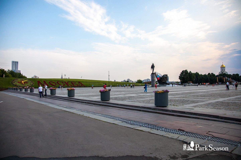 Главный вход, Парк Победы на Поклонной горе, Москва — ParkSeason