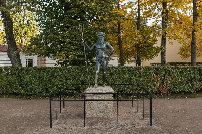 Статуя Нептуна — ParkSeason